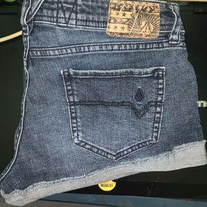Volcom jean shorts 💎 size 1/25